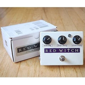red-witch-analog-deluxe-moon-3